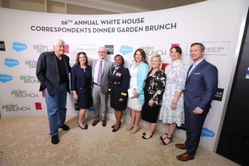 jay-leno-and-lt-gen-gwen-bingham-with-executives-from-wells-fargo-and-military-warriors-support-foundation 32779488957 o
