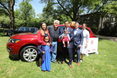 msgt-angela-morales-biggs--family-with-jay-leno-jerry-quinn-wells-fargo-and-andrea-dellinger-military-warriors-support-foundation 32779489477 o