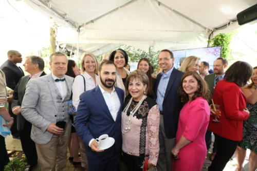 tammy-haddad-and-rod-rosenstein-with-brunch-attendees 47722752141 o